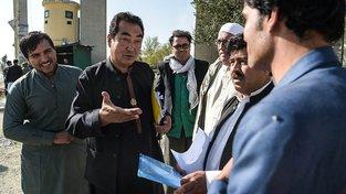 Chudí afghánští šíité žijící ilegálně v Íránu se dají lehce naverbovat do armády syrského prezidenta Bašára Asada