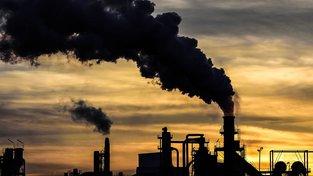 Za globální oteplování mohou lidé, hlavně vypouštěním skleníkových plynů. Ilustrační snímek