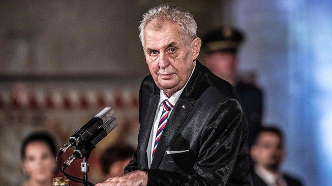 Současný prezident Miloš Zeman nasbíral přes 113 tisíc občanských podpisů