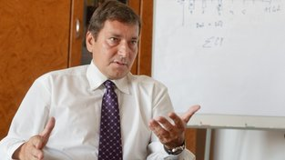 Ministerský kandidát odhalen: Babiš nominuje experta na energetiku Hünera