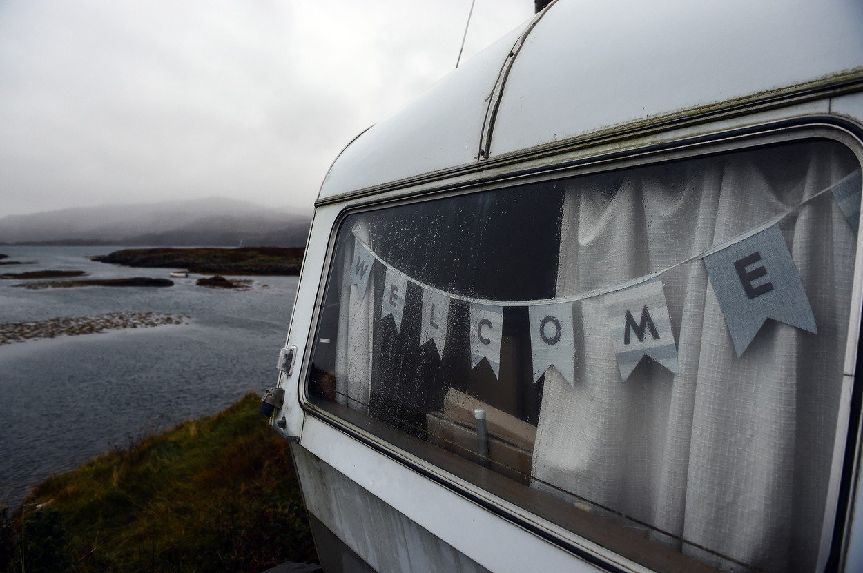 Pětice Skotů se snaží koupit si svůj ostrov