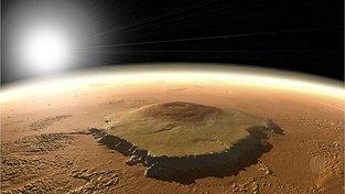 Družice Mars Reconnaissance Orbiter vystopovala na pánvi Eridania na jižní polokouli stopy po někdejších hydrotermálních průduších
