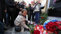 Česko slaví 17. listopad. Babiše čekali odpůrci, přišel i Klaus