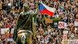 Jeho veličenstvo lid přichází: Pandořina skřínka s přímou demokracií se otvírá