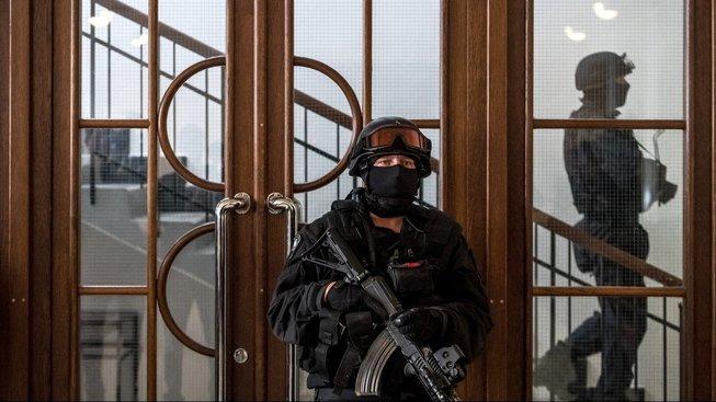 Jednání provázejí zostřená bezpečnostní opatření