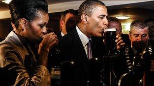 Bývalý americký prezident Barrack Obama si potrpí na sklenici dobrého piva