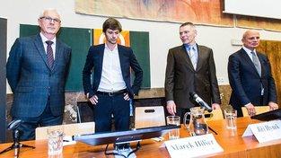 Jiří Drahoš, Marek Hilšer, Jiří Hynek a Michal Horáček během předvolební debaty