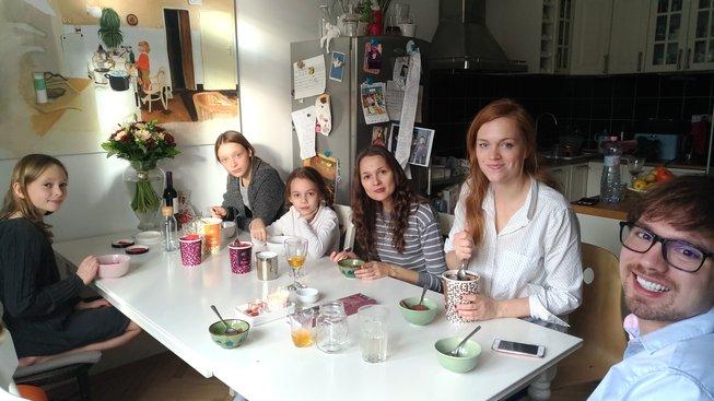 Ester Geislerova s rodinou a rodina z Beloruska
