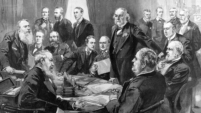 William Ewart Gladstone s členy svého kabinetu v srpnu 1892