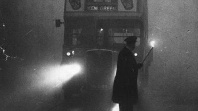 Viditelnost v londýnských ulicích klesla až na půl metru
