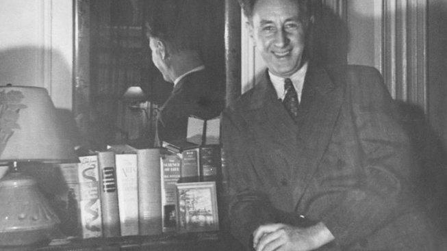Bohuslav Martinů ve svém newyorském bytě