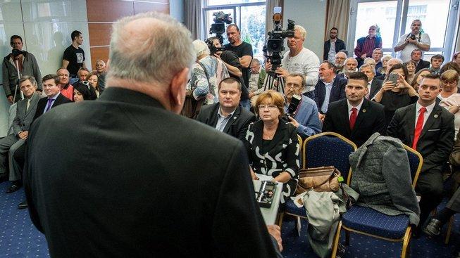 Vladimír Mečiar na bratislavské konferenci Právny štát alebo právo na pravdu