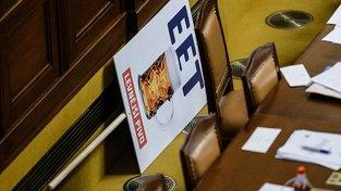 Babišův transparent na podporu EET