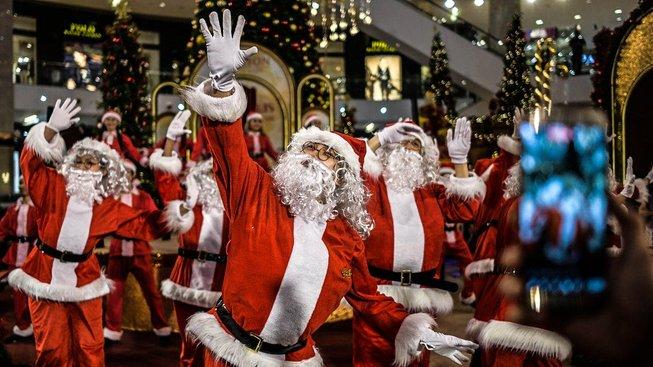 Santa u nás nemá proti Ježíškovi šanci