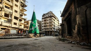Vánoční strom v syrské Homse