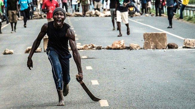 Protesty v Keni: Z mačety se stává zbraň
