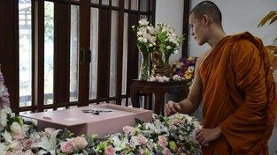 V Thajsku se konají buddhistické pohřby domácích mazlíčků