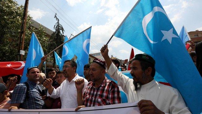 Protest na podporu ujgurských separatistů, Ankara 2015