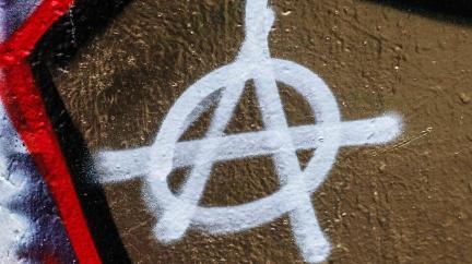 Komentář: Když se snoubí anarchie a kapitalismus: Káže Urza suchovodu?