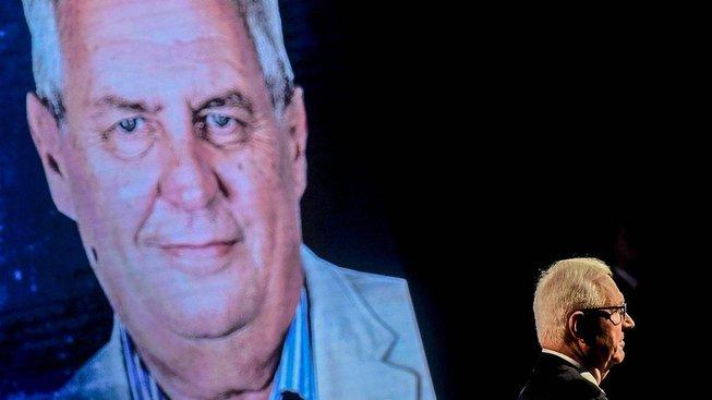 Zeman a Drahoš na debatě