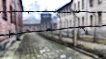 Kontroverzní polský zákon o holokaustu: Omezí historiky, apelují kritici
