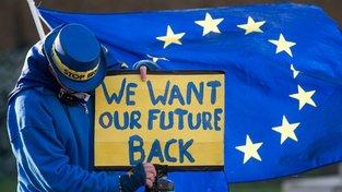 Pro část Britů bude brexit ponižující