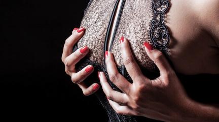 Zahalená do krajek: Skrytá posila pro sebevědomí