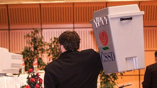 Už nyní je jasné, že volba orgánů ČSSD bude učiněný rej stranických funkcionářů.