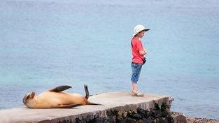 Na Galapágy přijíždí stále více turistů, kvůli čemuž hrozí narušení místní unikátní přírody. Ilustrační snímek