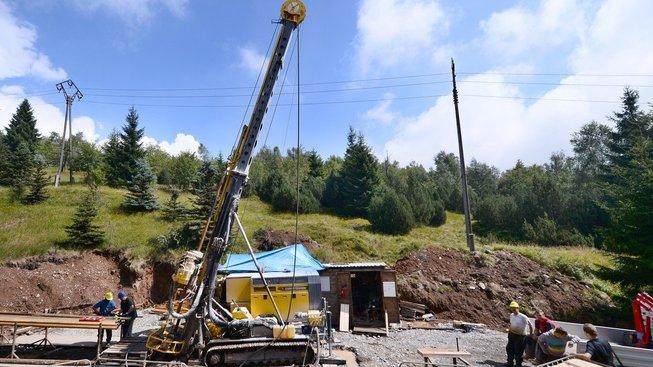těžba, ilustrační snímek