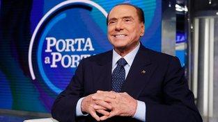 Někdejší premiér Silvio Berlusconi dovedl ve volbách stranu Vzhůru, Itálie  k dobrému výsledku