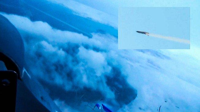Záběr ruské rakety schopné nést jadernou hlavici prezentovaný během Putinova projevu, kdy oznámil vznik nové 'superrakety'
