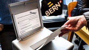 Švýcaři v referendu odhlasovali zachování koncesionářských poplatků