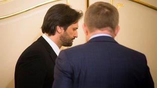 Slovenský ministr vnitra Robert Kaliňák a slovenský premiér Robert Fico