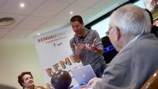 Bývalý fotbalista Javier Torres pomáhá seniorům s Alzheimerem rozvzpomenout se