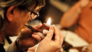 Kouření se podle ministra zdravotnictví do hospod a restaurací nevrátí