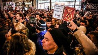 Demonstrace na Václavském náměstí proti jmenování Zdeňka Ondráčkem (KSČM) do čela sněmovního výboru pro kontrolu GIBS