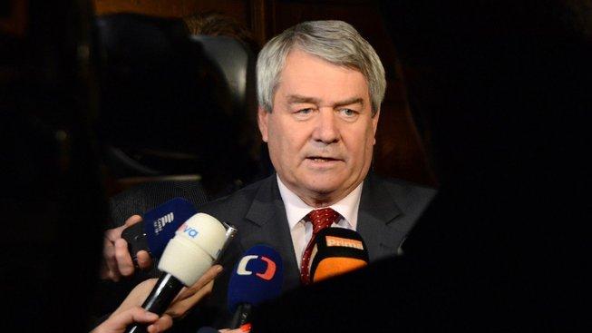 Předseda KSČM Vojtěch Filip nevyloučil podporu  Babišově vládě