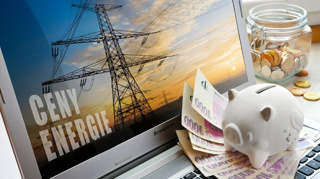 Změnou dodavatele energií mohou domácnosti ušetřit tisíce korun ročně