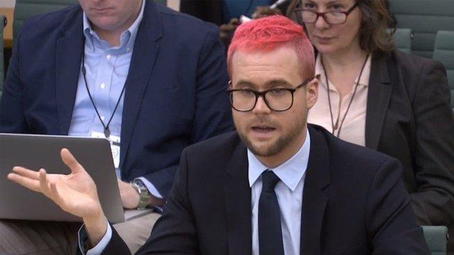 Bývalý zaměstnanec kontroverzní firmy Cambridge Analytica Christopher Wylie mluvil v britském parlamentu i o Česku