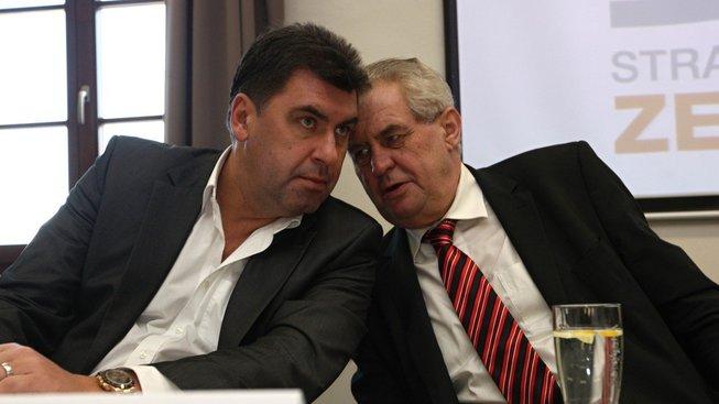 Hradní poradce Martin Nejedlý a prezident Miloš Zeman