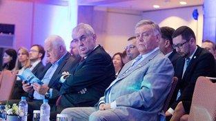 Klaus, Zeman a Jakunin v roce 2016 na konferenci DOC na Rhodosu