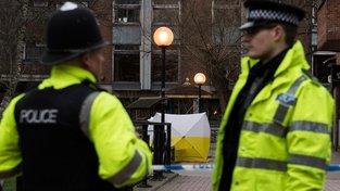 Policie na místě, kde byli nalezeni otrávený ruský agent a jeho dcera