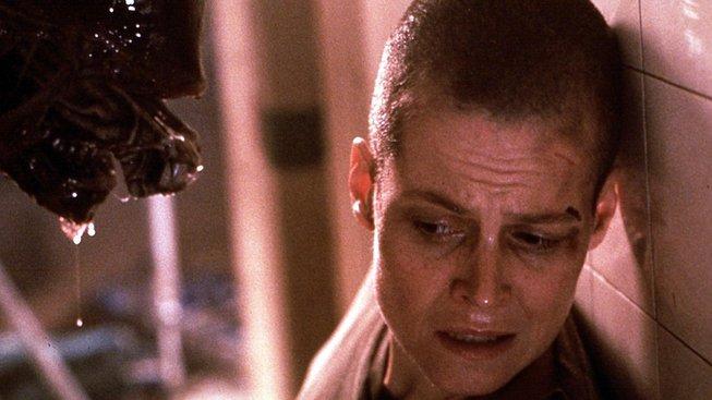 Sigourney Weaverová alias Ripleyová ve Vetřelci 3