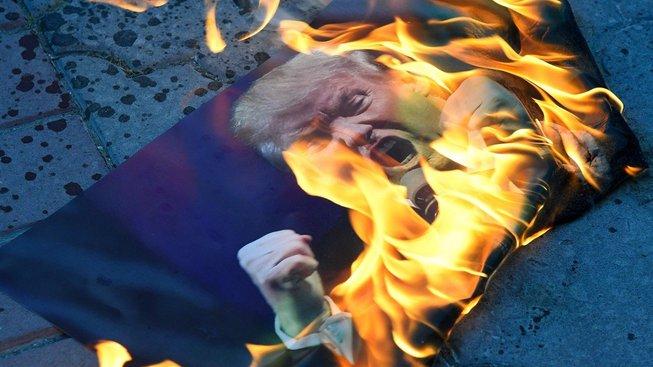 Útok na Sýrii je válečný zločin a Trump je borec aneb doublethink po česku