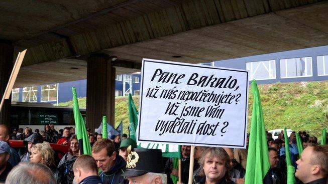 Miliardář Zdeněk Bakala byty OKD zprivatizoval a následně výhodně prodal