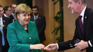 Merkelová a Babiš. Kdo je víc?