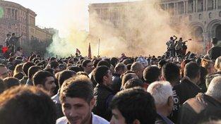 V Arménii už několik dní protestují tisíce lidí za liberalizaci poměrů v zemi