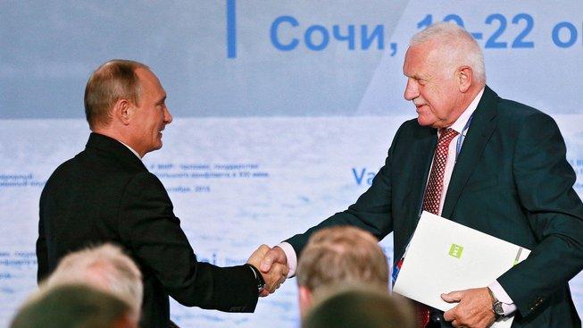Václav Klaus zasedá v dozorčí radě institutu Dialog of Civilisations v Berlíně, kterou založili a financují Rusové