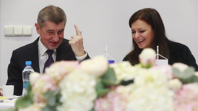 Podle čelních představitelů hnutí ANO existuje pouze jediná vládní varianta v podobě koalice s ČSSD a s podporou KSČM